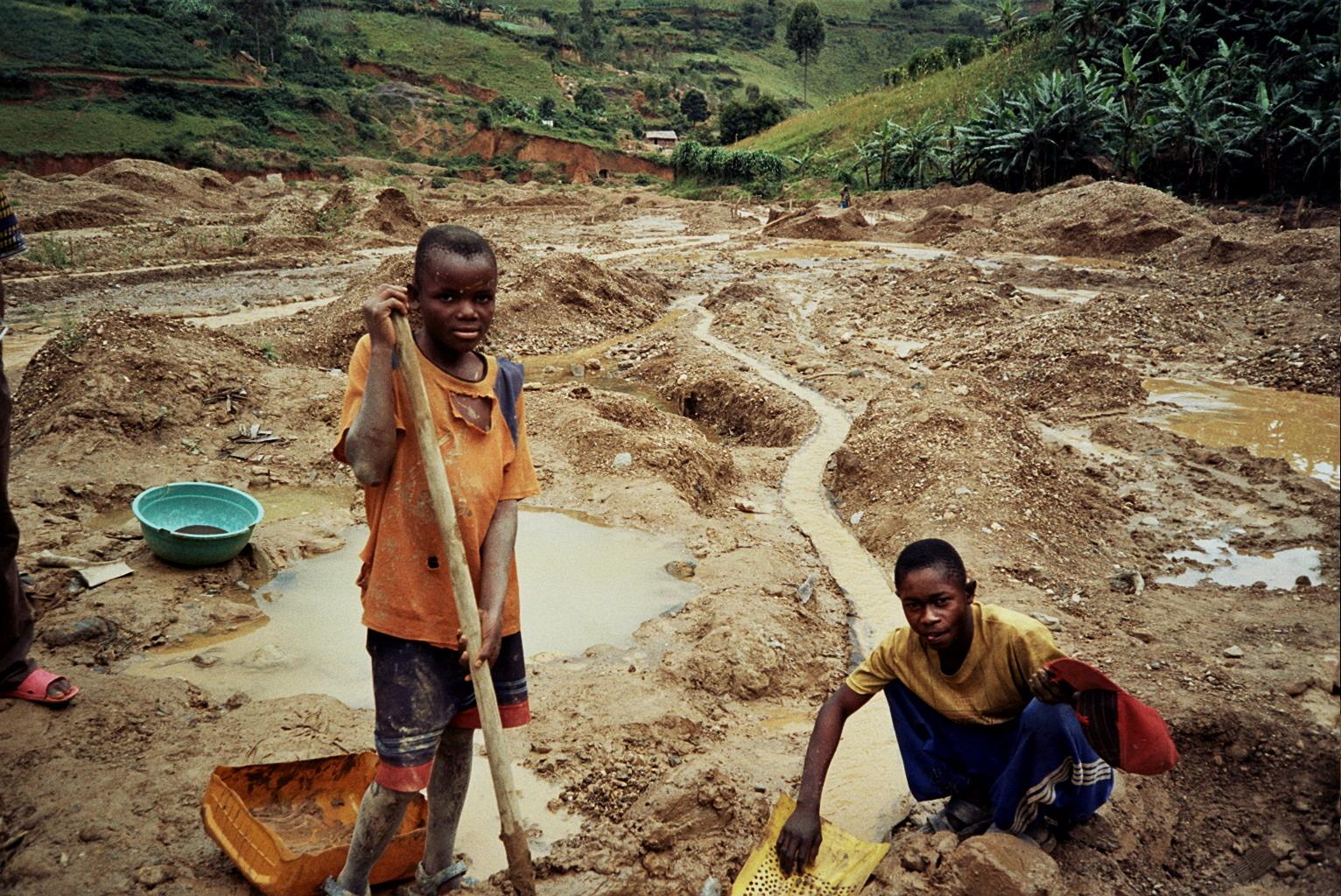 コンゴ民主共和国 ? ツワンガの金鉱山  フォトライブラリー|児童労働ネットワーク(CL